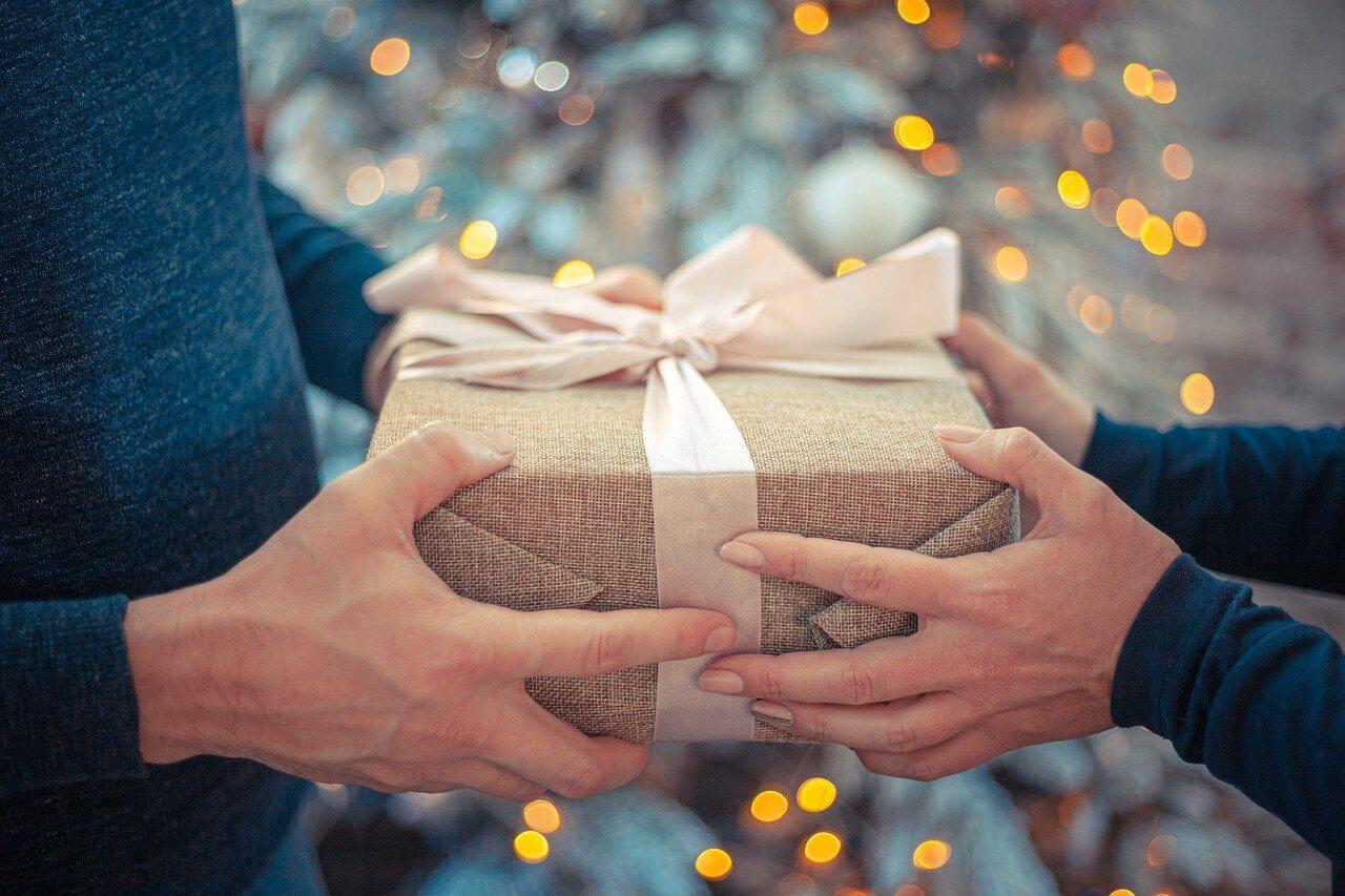 Топ 10 идей для подарков родным и друзьям